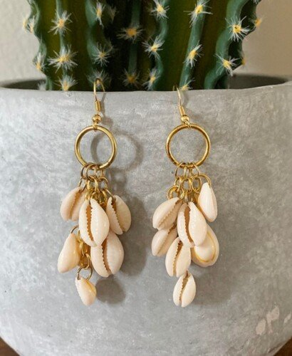 DIY Dangle Cowrie Shell Earrings 13