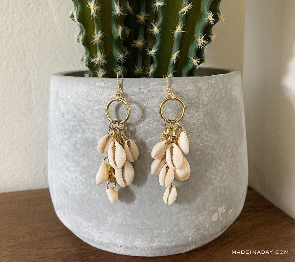 diy cowrie seashell earrings