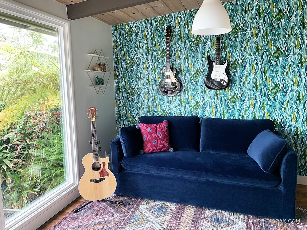 Tropical Music Room, Blue Velvet Sofa Guitar Room, Blue velvet sofa bed