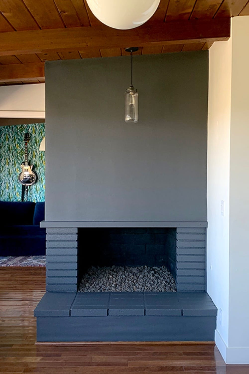 How to Paint a Fireplace: From Vintage to Elegant 14