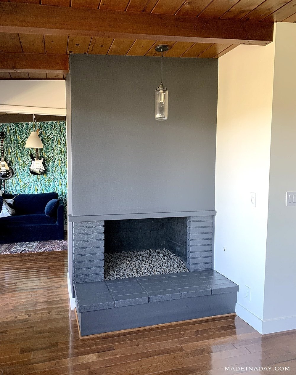Grey Painted Fireplace, Grey Painted Bricks, Black painted Fireplace, How to paint bricks, How to paint a fireplace