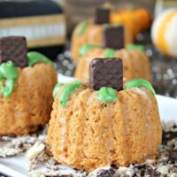 Light Mini Pumpkin Bundt Cakes | Make a Bundtkin Patch