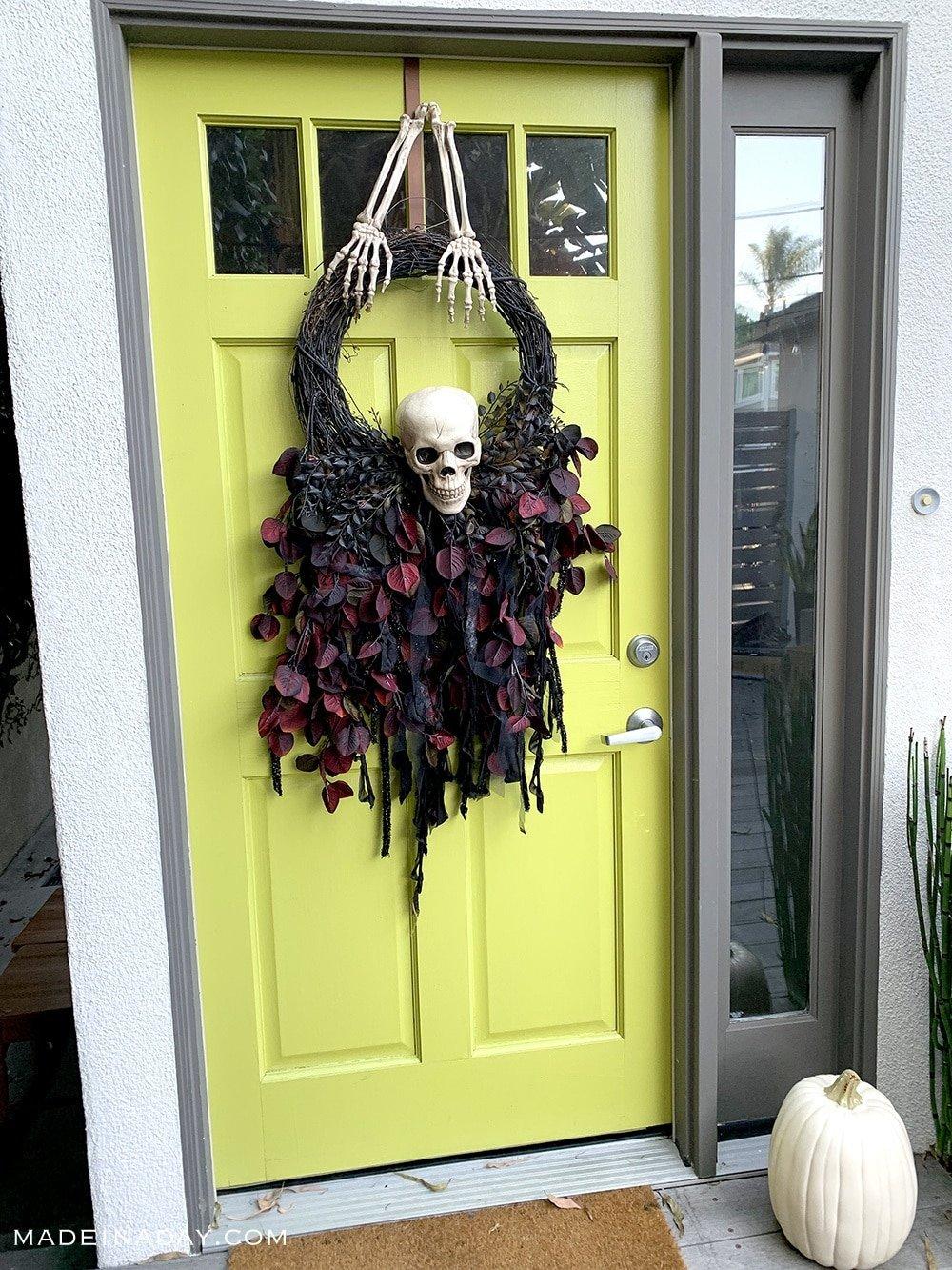 floral skull wreath, Floral fringe skull wreath