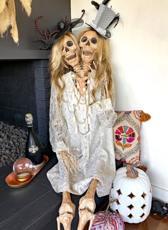 Mesmerizing Two Headed Skeleton Halloween Decor 31