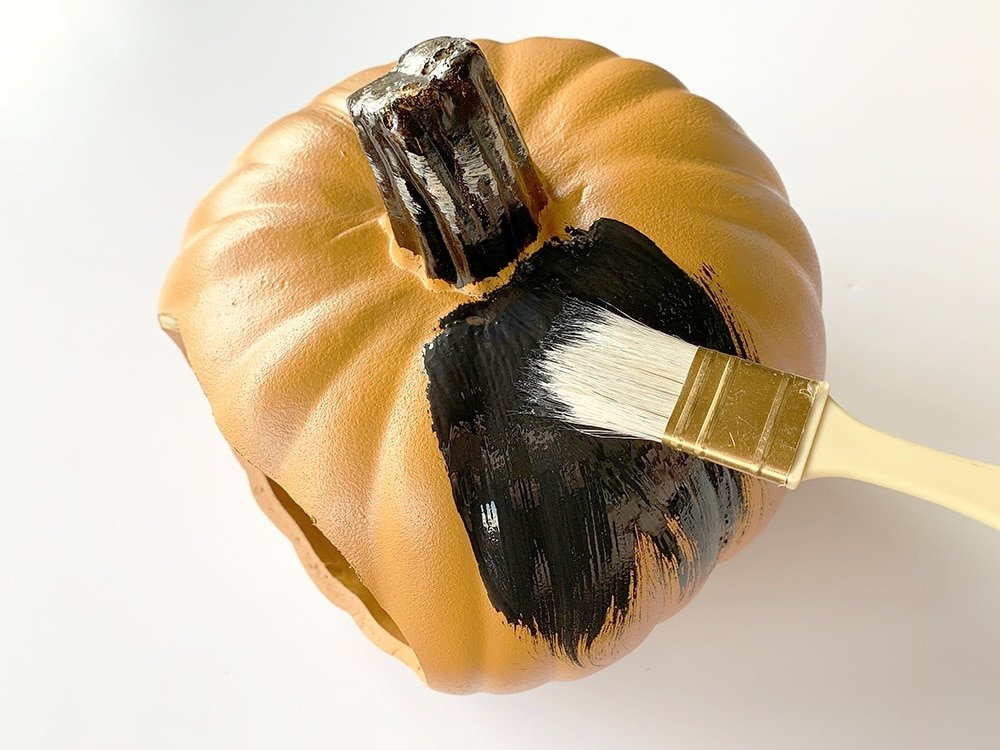 Paint a pumpkin black, how to paint a pumpkin