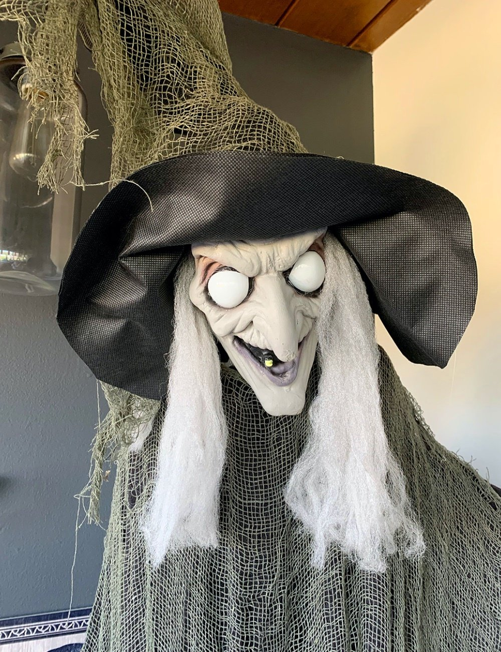 animated green witch prop, Halloween witch prop, light up eye witch prop
