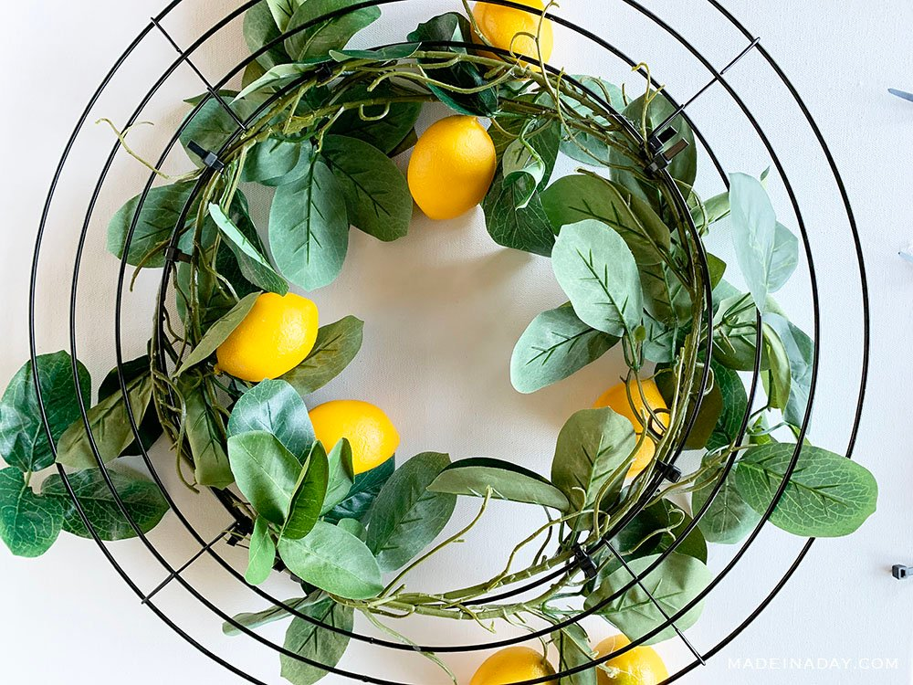simple garland wreath, lemon tree garland wreath