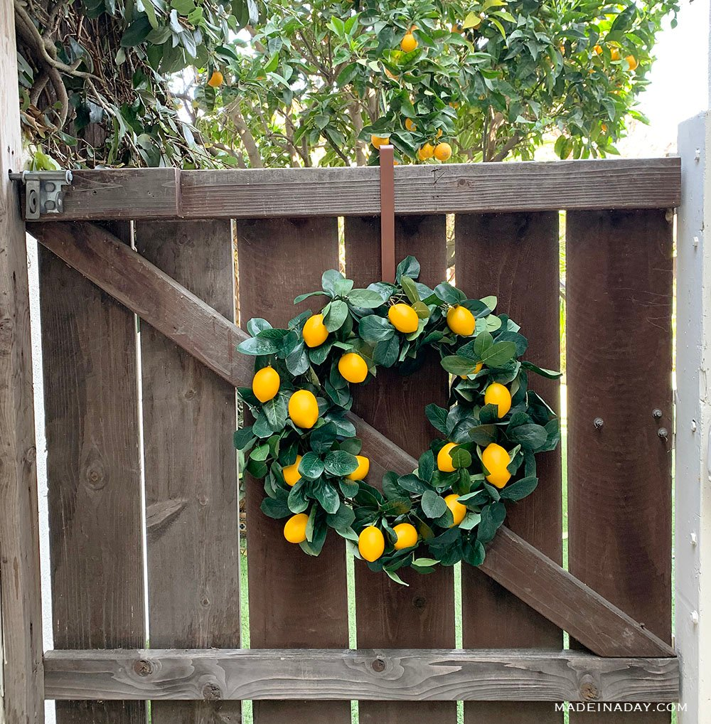 Lemon wreath, citrus wreath, orange wreath, farmhouse lemon wreath, how to make a lemon wreath