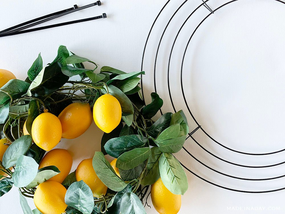 how to make a citrus wreath, garland citrus wreath