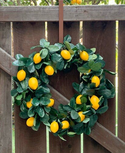 DIY Lemon Wreath from a Garland 8