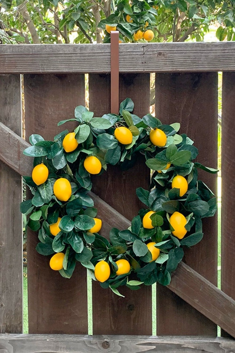 DIY Lemon Wreath from a Garland