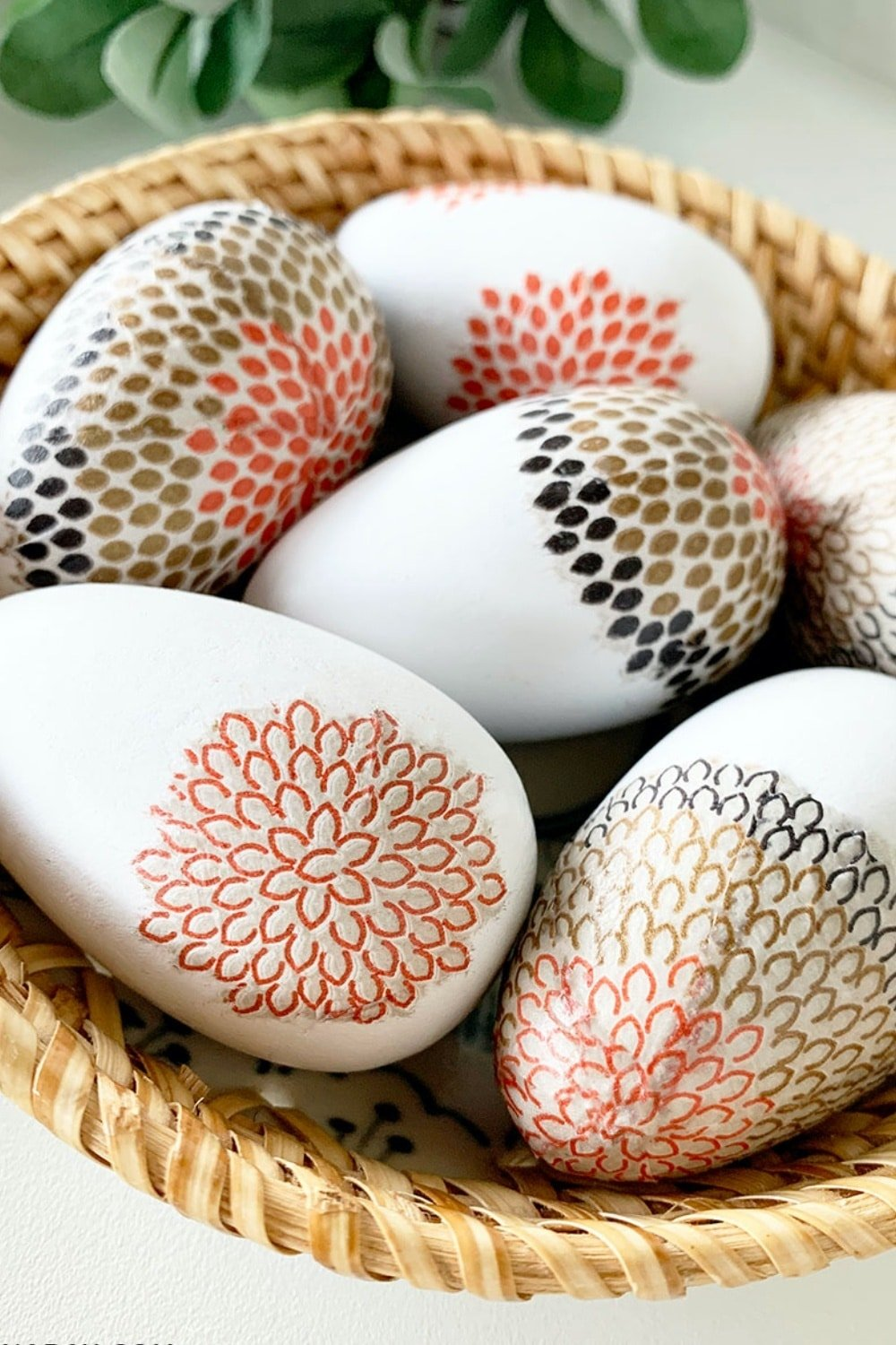 Modern Decoupage Easter Eggs with Napkins