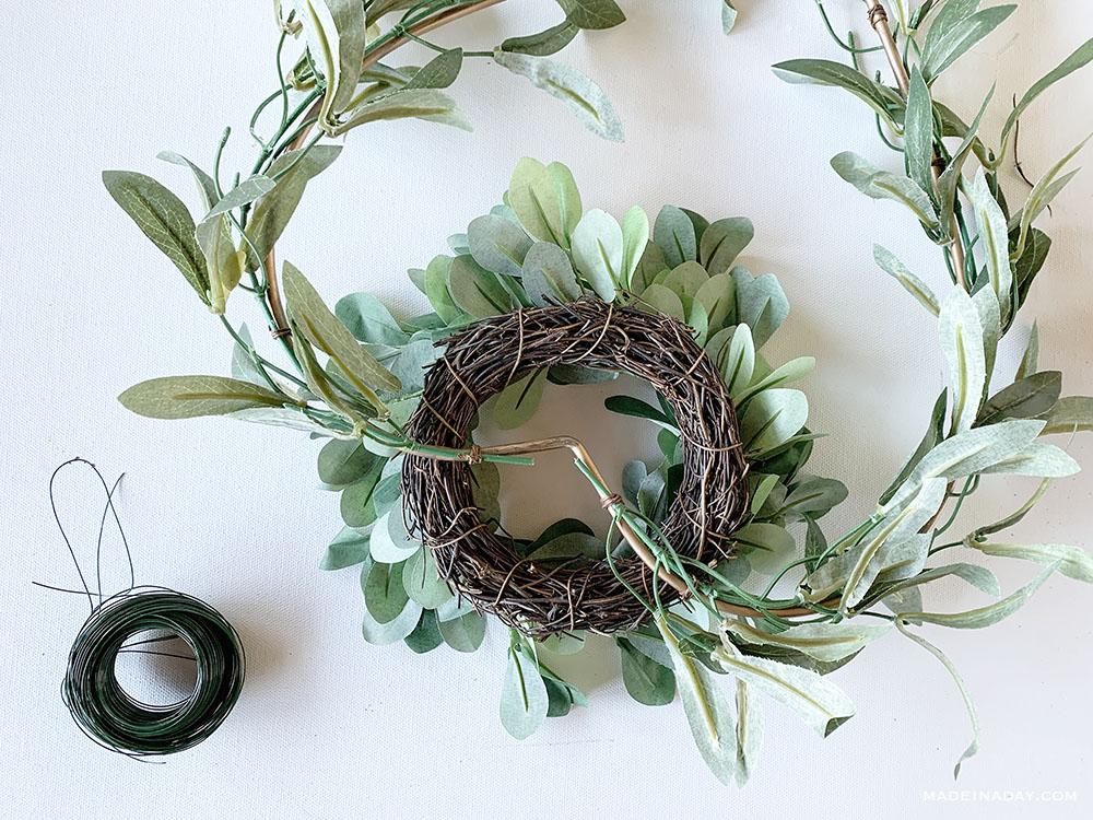 how to make a wreath basket