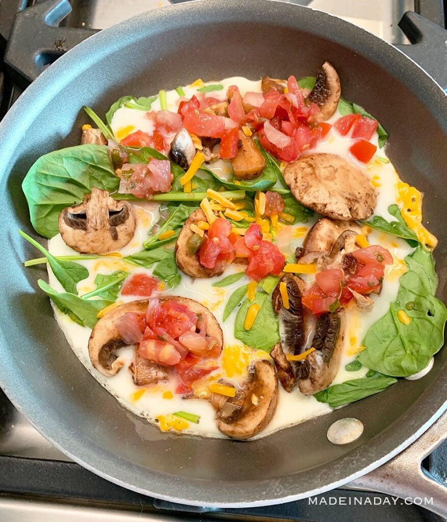 egg white veggie frittata, 2B Mindset frittata,