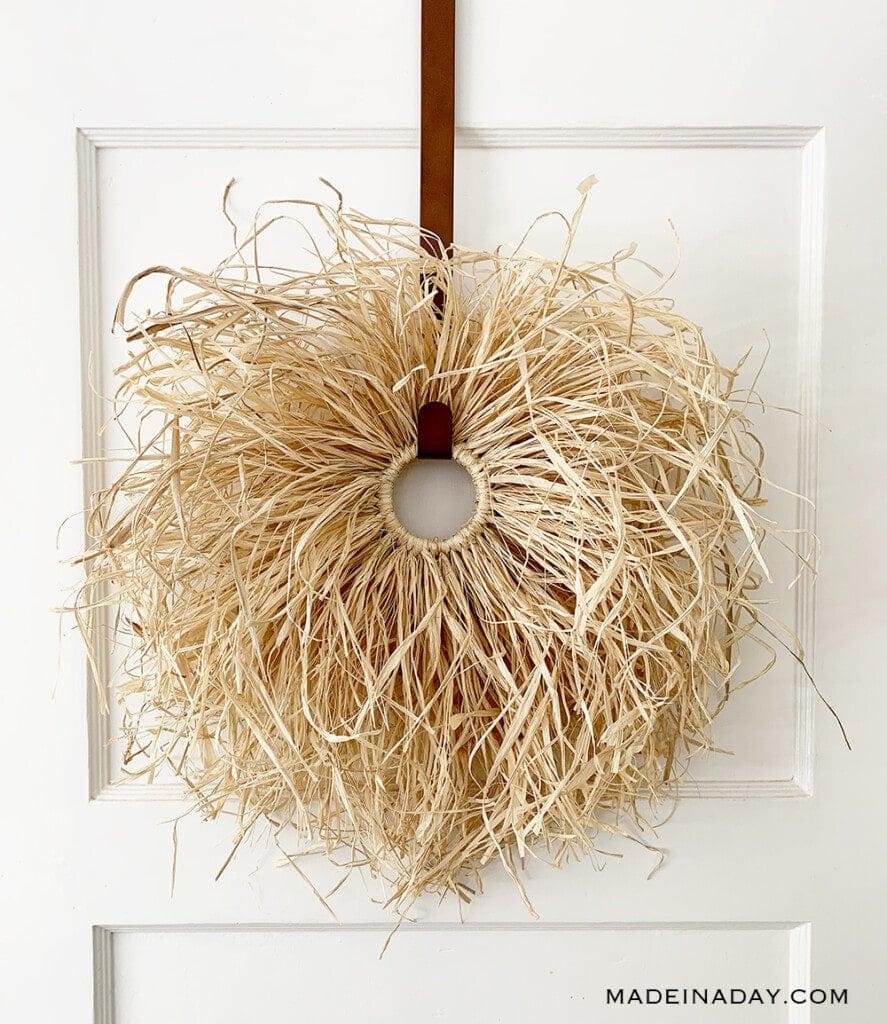 natural grass wreath, how to make a raffia wreath,