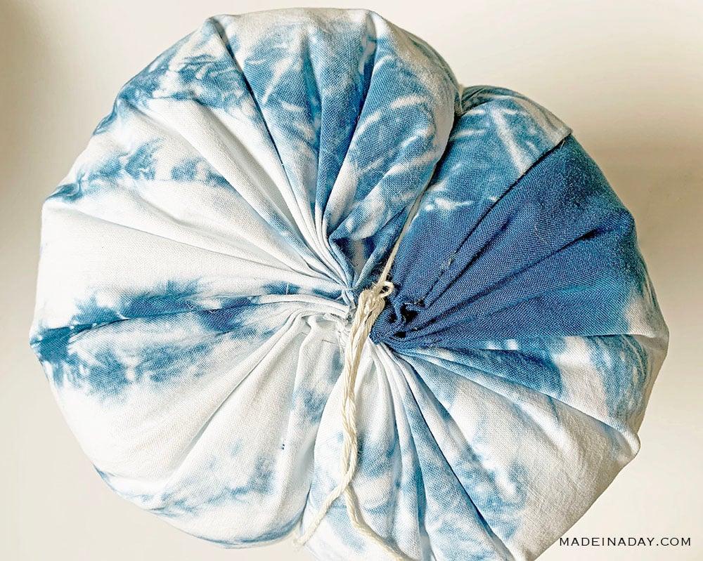 add ridges to fabric pumpkin