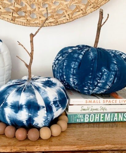 How to Make 3 Shibori Fabric Pumpkins 4