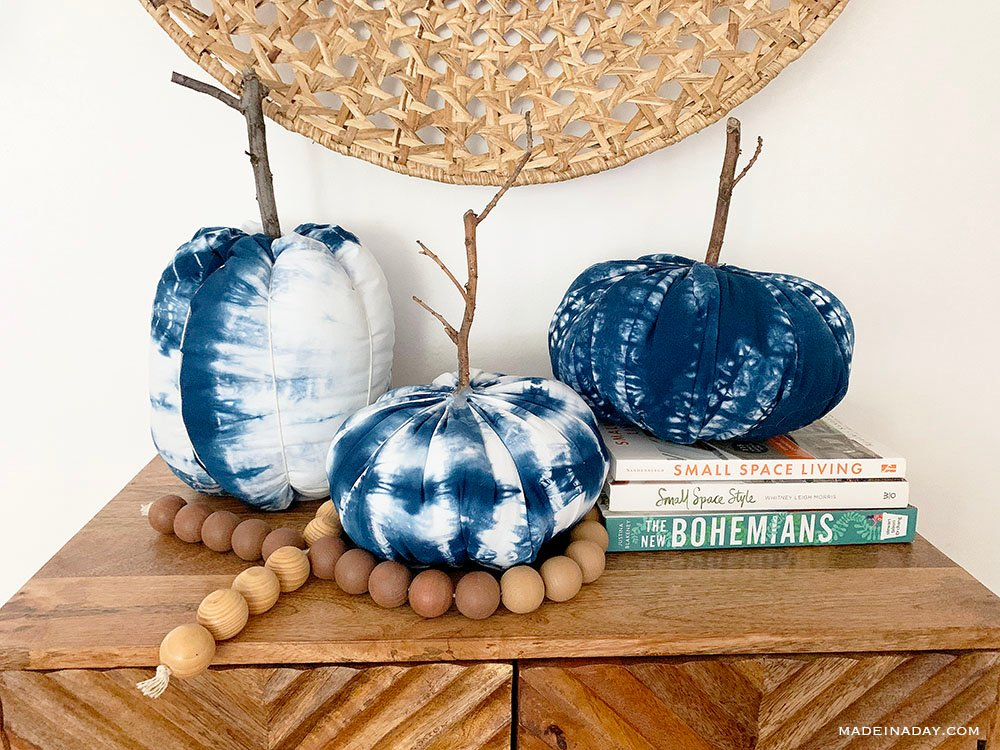 How to Make Shibori Fabric Pumpkins, tie dye pumpkins, blue indigo pumpkin
