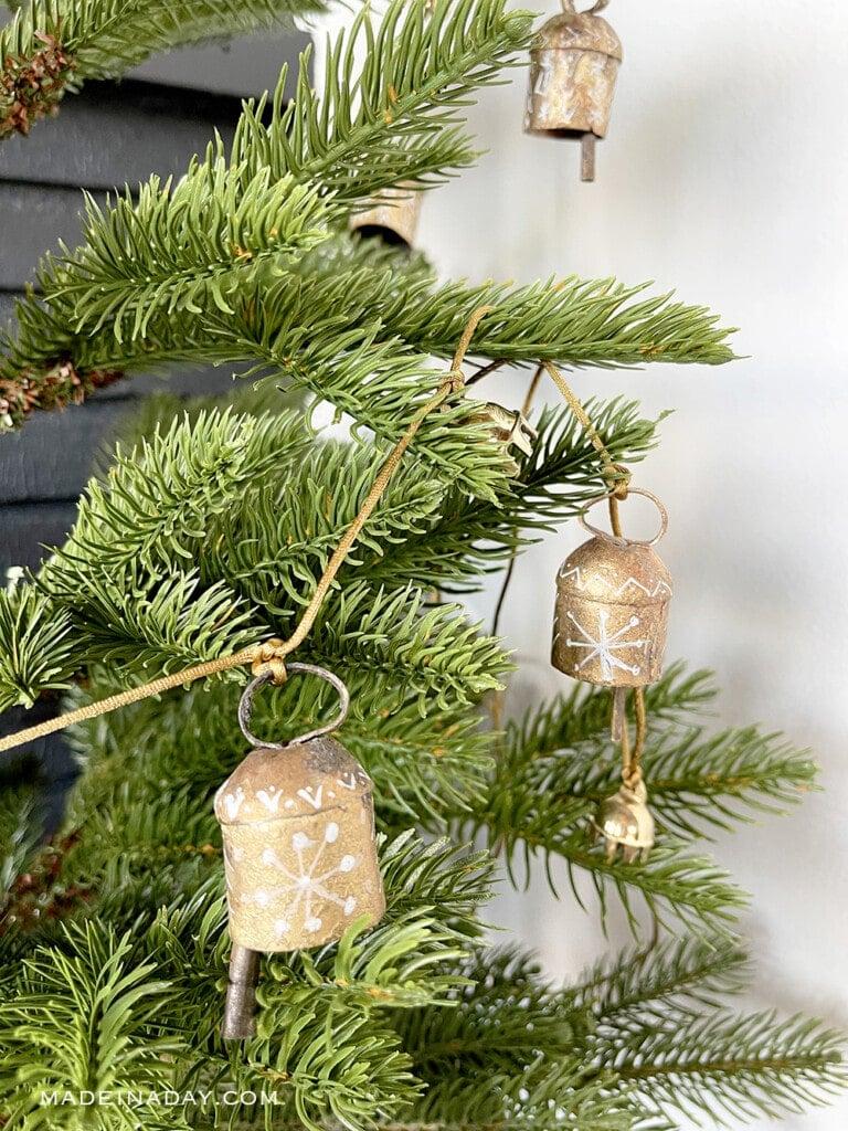 global holiday bell garland