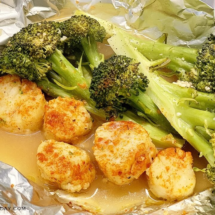 Broccoli and Scallops Foil Packets