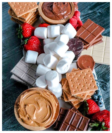 How to Make a Loaded S'Mores Board