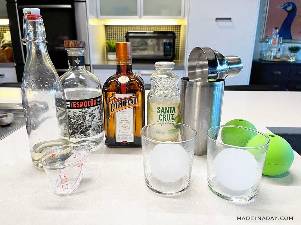 items to make a simple margarita recipe