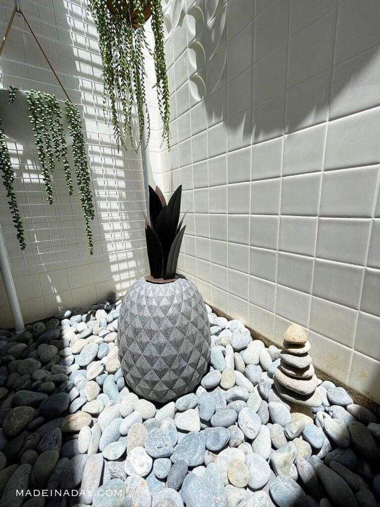 Pineapple garden statue