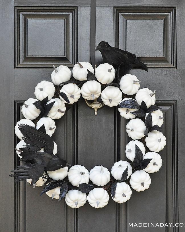crow pumpkin wreath
